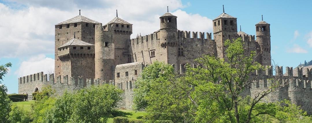 Tour dei Castelli della Valle d'Aosta