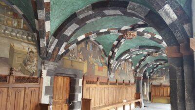 Porticato affrescato castello di Issogne