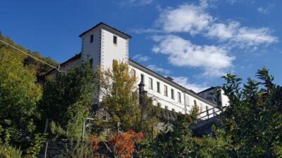 Chateau Vallaise a Arnad