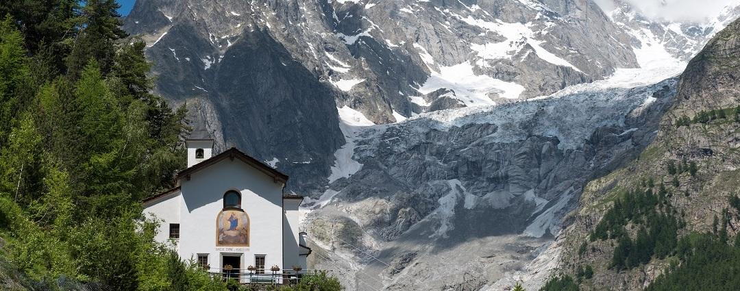 Santuari in Valle d'Aosta - Santuario di Notre dame de la guerison Courmayeur